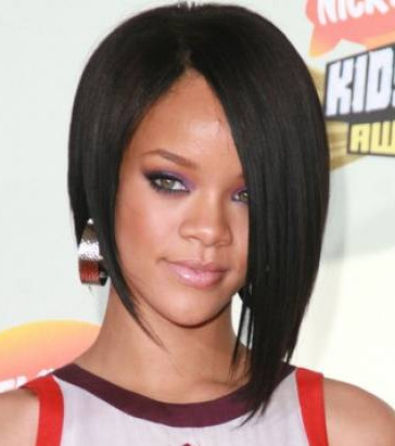 coupe de cheveux de rihanna pansyperylaura blog. Black Bedroom Furniture Sets. Home Design Ideas